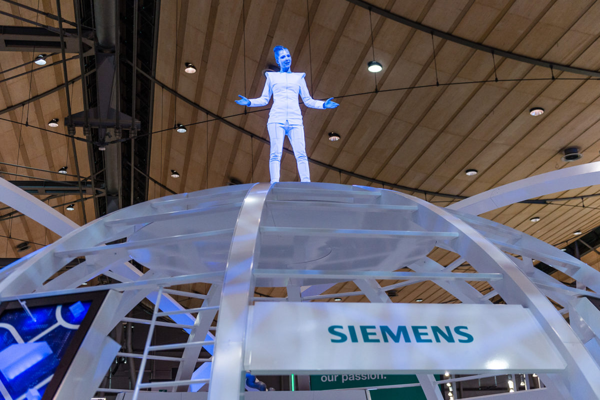SIEMENS AG Industry Sector, Hannover Messe - On the way to Industry 4.0 –  5.000 qm