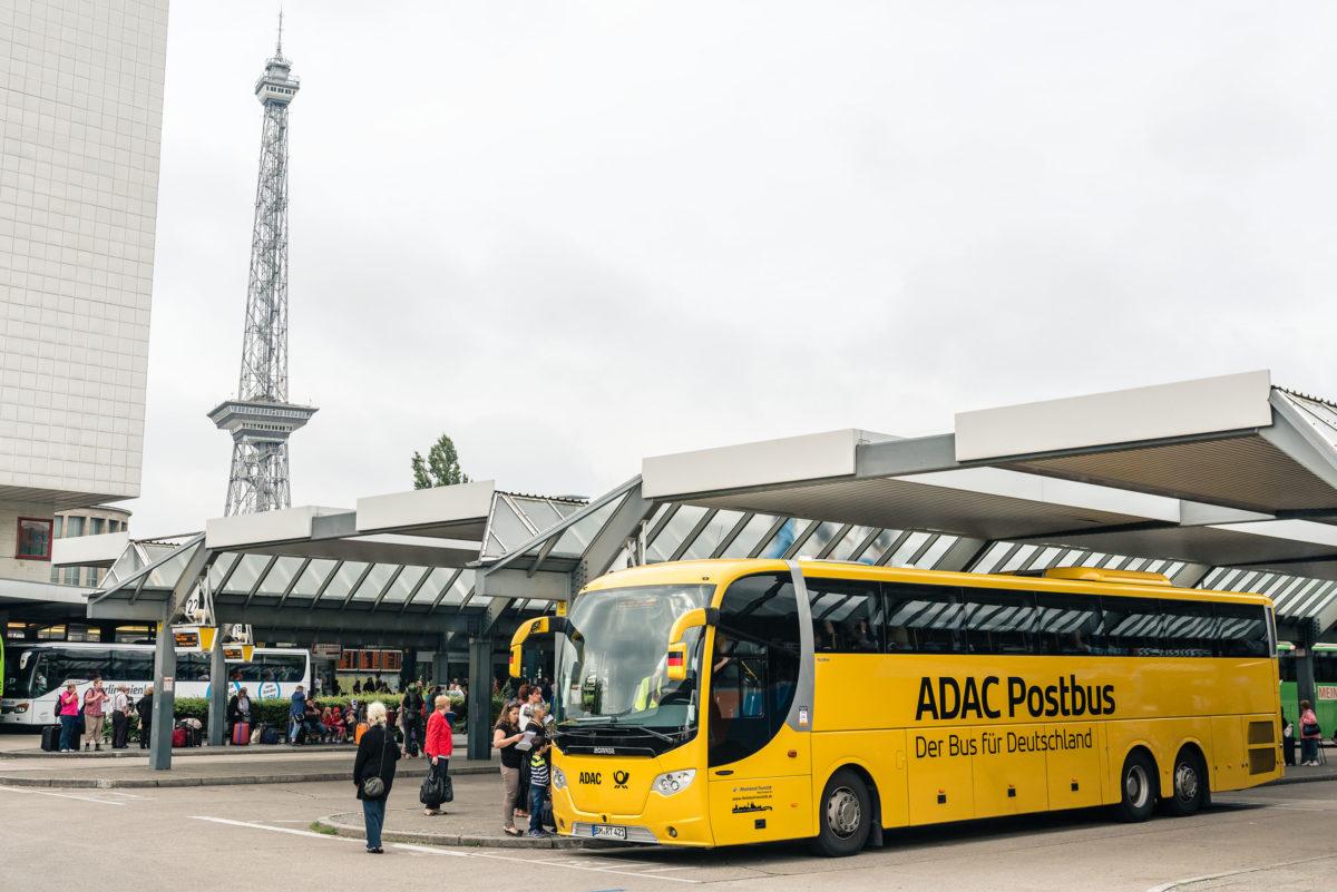 ADAC Postbus, Pavillon, Zentraler Omnibusbahnhof Berlin