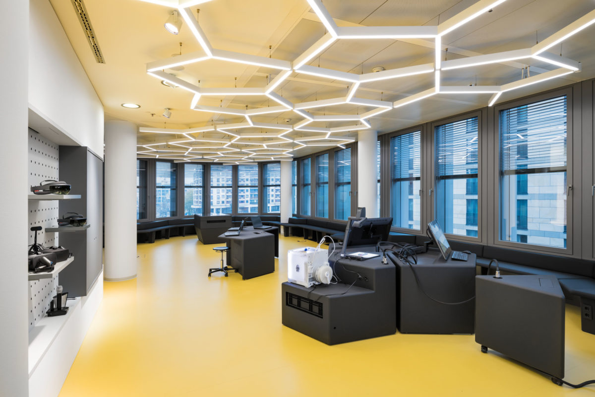 Digital Innovation Lab, EY